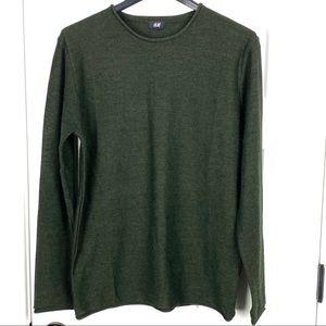 H&M NWOT medium crew roll neck sweater